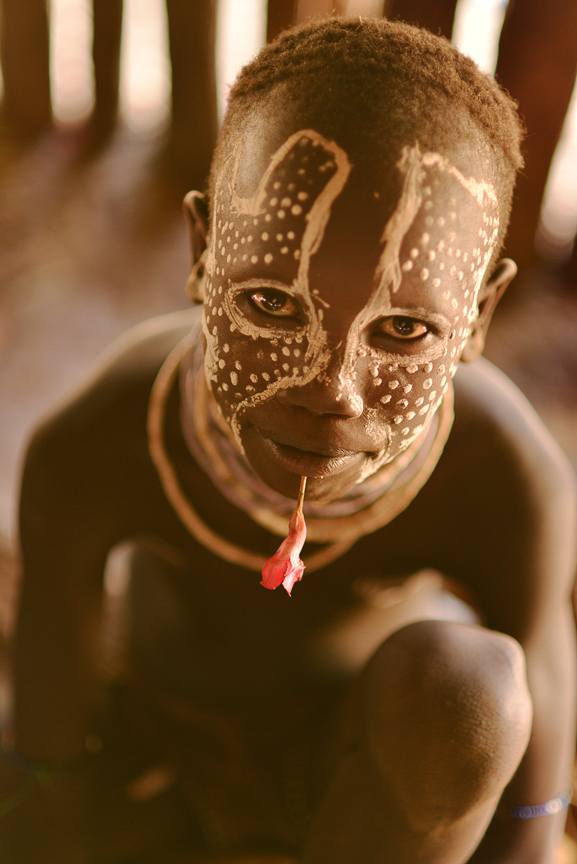 3-Hamar child with flower