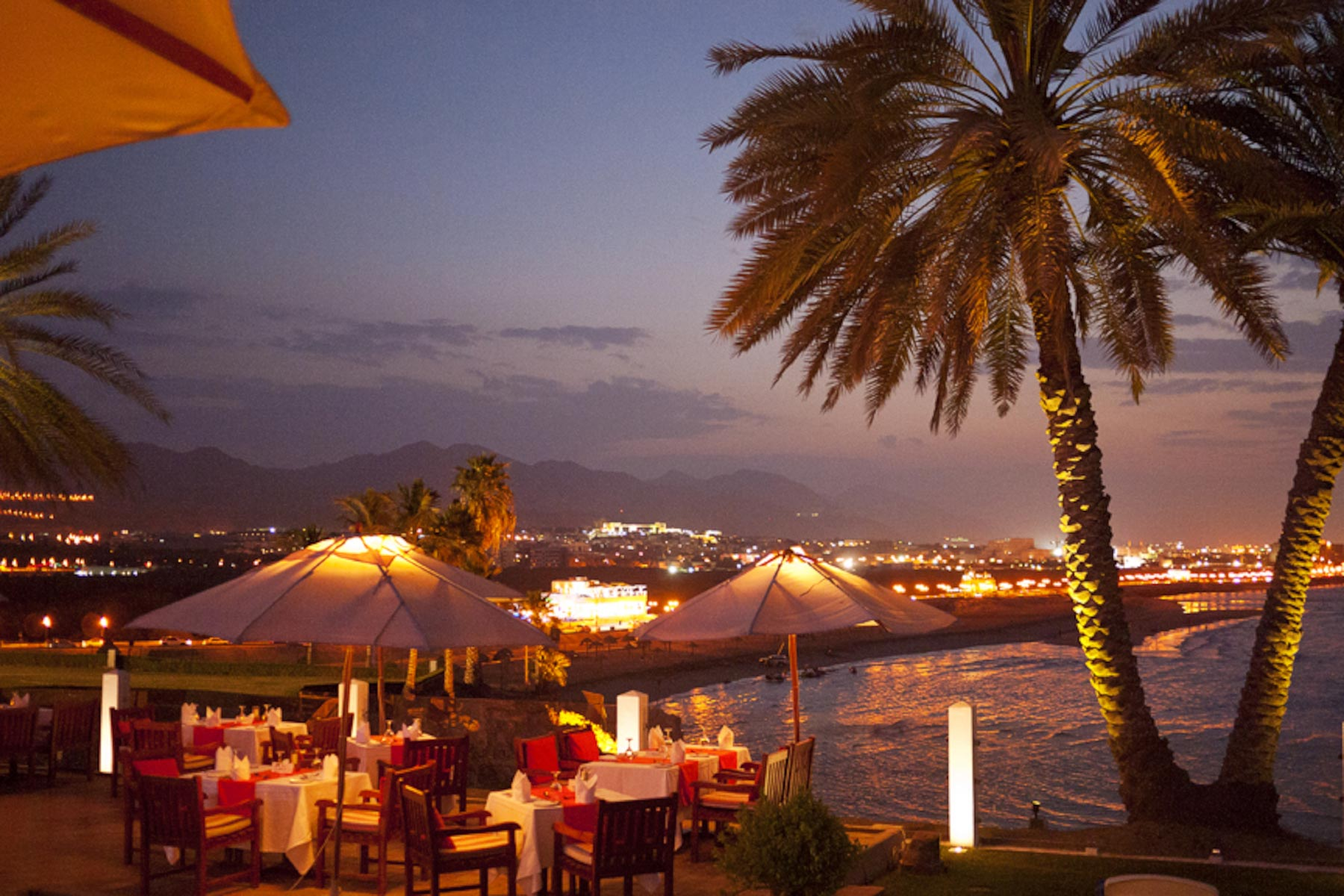 34-Twilight-dining-Oman