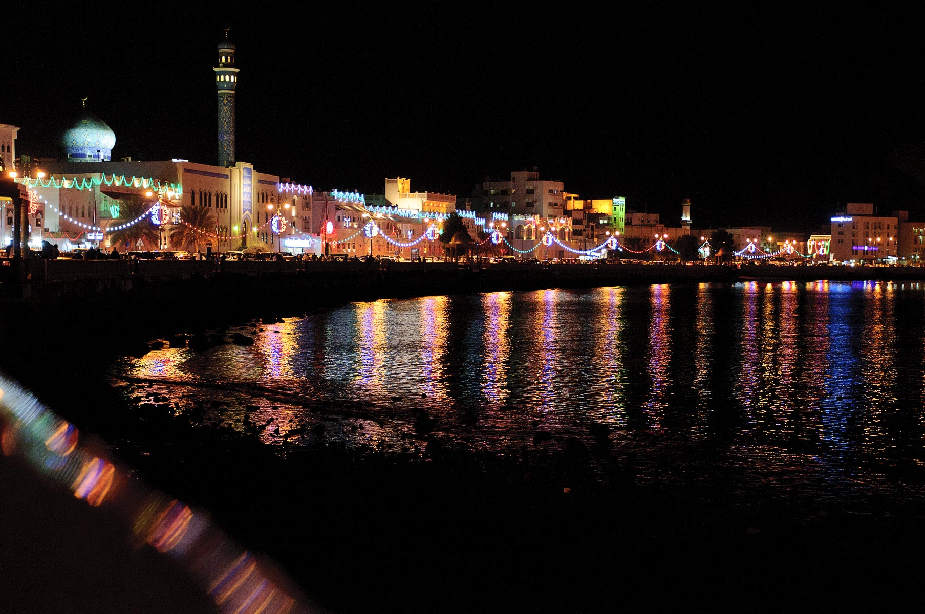 39-Oman-Waterfront-Night